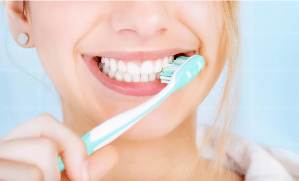 teeth whitening toothpaste